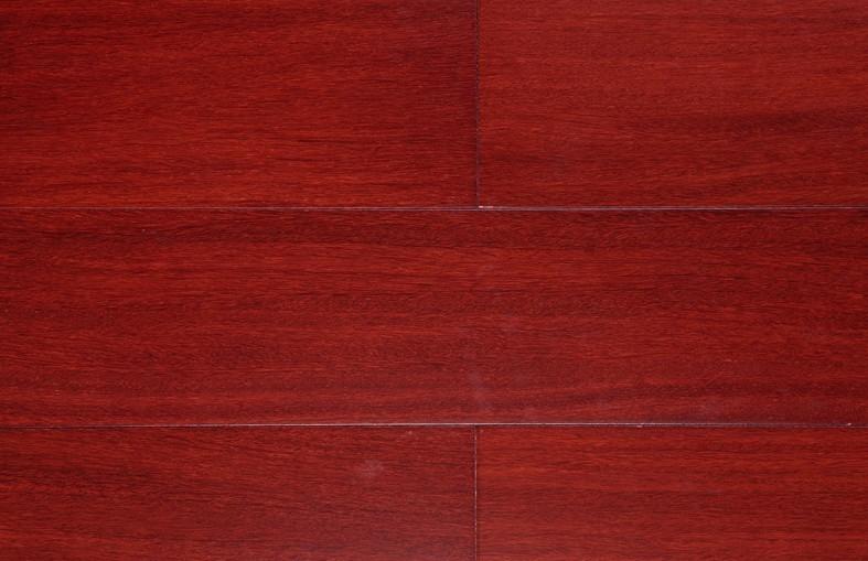 红色地板配什么颜色家具-大庆人人装修网