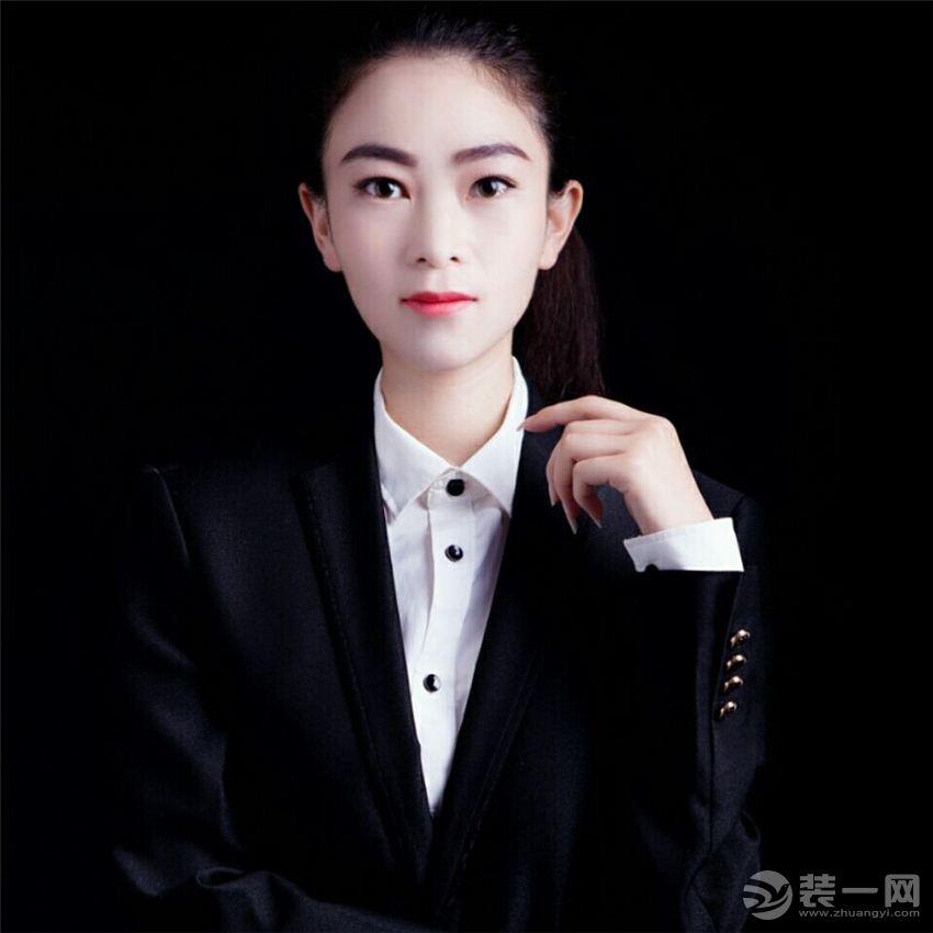 首席设计师---孟丽萍