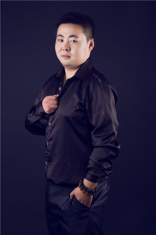 设计师李磊