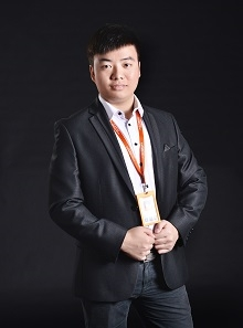 首席设计师  杨磊
