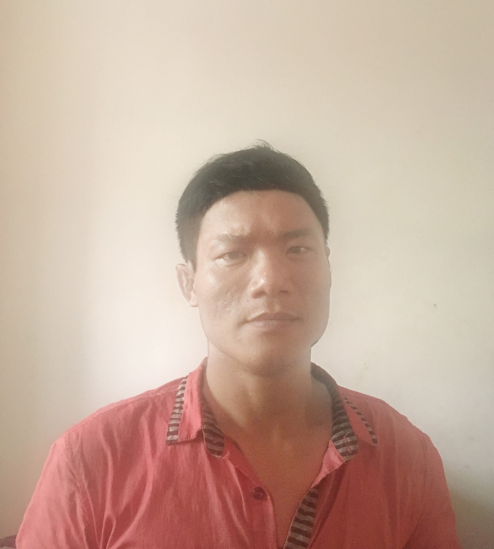 杨绍丹(设计师助理)  18219306031