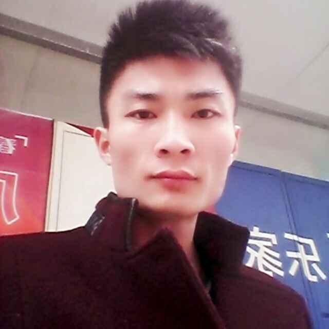 闫俊鹏-首席设计师