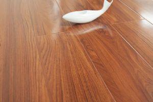 盼盼地板真实木系列―强化S129-01云杉丹阳