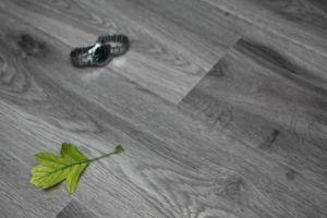 盼盼地板云之柔系列―强化七彩云乡 D168-2