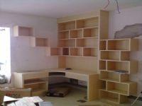 层板造型书桌
